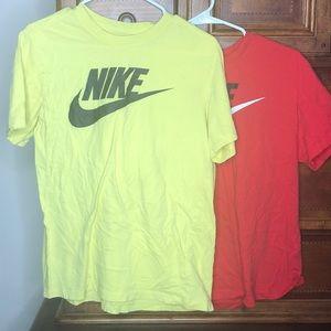 2x Nike tshirts